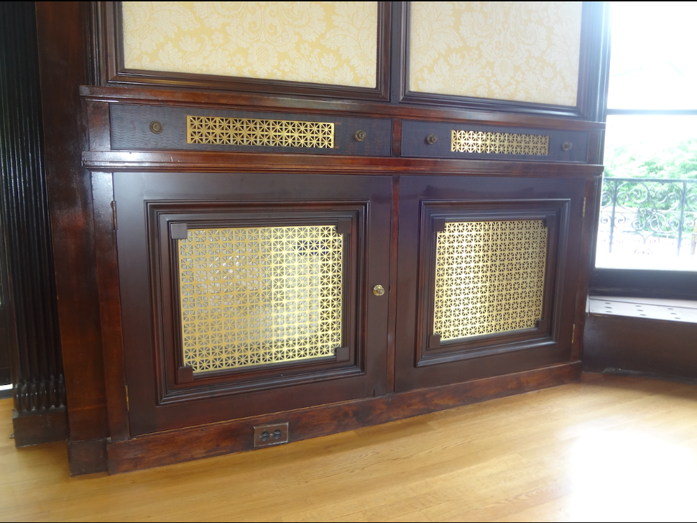 gold window cabinet-1000×750